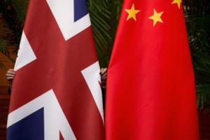 """""""ทูตจีน"""" โดนสภาอังกฤษสั่งห้ามเข้าพื้นที่ แก้เผ็ดมังกรคว่ำบาตรนักการเมืองผู้ดี"""