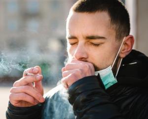 สูบเลย!..บุหรี่ ถ้าโง่เชื่อว่านิโคติน ต้านการติดเชื้อโควิด / พลโทนายแพทย์ สมศักดิ์ เถกิงเกียรติ