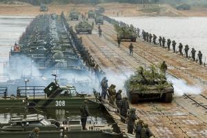 ตื่นตาตื่นใจ! กองทัพรัสเซียแพร่คลิปซ้อมรบร่วมเบลารุส ยิงถล่มเมามันราวกับสมรภูมิจริง (ชมวิดีโอ)