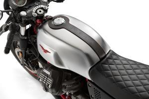 โมโต กุซซี่ เผย 2 รุ่นใหม่  V9 Bobber และ  V7 III Racer สนนราคา 449,000 บาท-ราคา 599,000 บาท