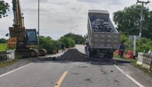 ทช.ซ่อมถนนสาย สพ.3041 จ.สุพรรณบุรี ที่ถูกน้ำท่วมเสียหายเสร็จแล้ว