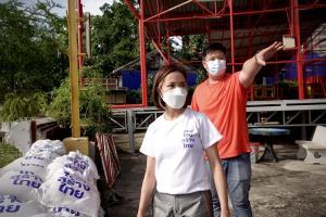 """""""ไทยสร้างไทย"""" ร่วมเสริมแนวกันน้ำชุมชนริมเจ้าพระยา แนะ รบ.เตรียมแผนรับมืออย่างเป็นระบบ"""