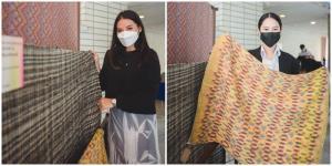 มหัศจรรย์ 'ผ้าทอลายผ้าไทย' เมื่อ 'ภูมิปัญญา' ถูกตีความใหม่ ผลงานครีเอทีฟของ 'เด็กธรรมศาสตร์'