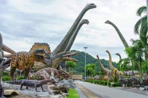 """ตะลุย """"หุบเขาไดโนเสาร์"""" สวนนงนุช พัทยา 1 ใน 25 UNSEEN New Series ของไทย"""
