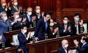 """2 ผู้นำสูงสุดของจีนส่งสาส์นแสดงความยินดี """"คิชิดะ""""นายกฯ ใหม่ญี่ปุ่น"""