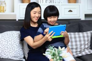 หัวเว่ยแนะนำไอเทมเด็ด ให้คุณแม่ยุคใหม่ใช้เทคโนโลยีเลี้ยงลูกอย่างปลอดภัยในยุคไซเบอร์
