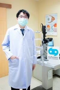 """วันสายตาโลกปี 2564 นี้ """"แว่นท็อปเจริญ"""" เน้นย้ำ!! ใครควรหมั่นตรวจวัดสายตาและตรวจเช็คสุขภาพดวงตาบ้าง?"""