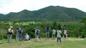 """น้อมรำลึกในหลวง ร.๙ ผ่าน """"กุยบุรีโมเดล"""" คน-ช้างป่า อยู่ร่วมกันได้ใต้ร่มพระบารมี"""