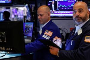 น้ำมันทรงตัว ทองขึ้น-หุ้นสหรัฐฯ ปิดลบ IMF ปรับลดคาดการณ์การเติบโตของเศรษฐกิจโลก