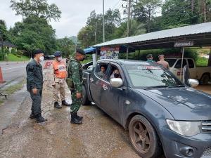 รวบ 2 สาวไทยคาด่าน ฐานลอบเคลื่อนย้าย 7 แรงงานพม่า