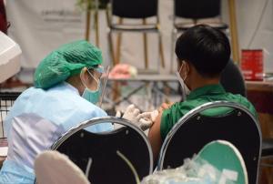 โคราชจับตา 7 คลัสเตอร์ระบาด พบติดโควิดรายใหม่อีก 152 ราย ตายเพิ่ม 2 ศพ เร่งฉีดวัคซีนรับเปิดเมือง