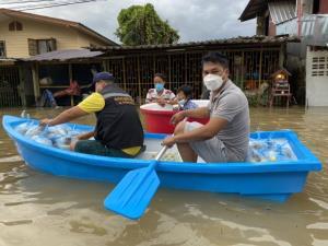 ผู้ว่าฯ จันทบุรีสั่งเตรียมอพยพประชาชน หลังพบมวลน้ำในแม่น้ำจันทบุรีเกินขีดรองรับ