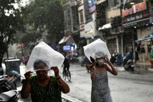 พายุ 'คมปาซุ' อ่อนกำลังก่อนถึงฝั่งเวียดนาม คาดฝนตกหนักทั่วภาคกลางถึงสัปดาห์หน้า