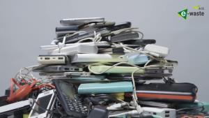 "AIS สานต่อภารกิจ ""คนไทย ไร้ E-Waste"" ต่อเนื่อง ดึง 'เทนนิส พาณิภัค' ช่วยรณรงค์"