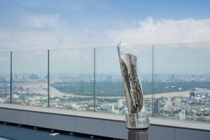 มหานคร สกายวอล์ก ได้รับพระราชทานรางวัล Thailand Tourism Awards ประเภทรางวัลดีเด่น สาขาแหล่งท่องเที่ยวนันทนาการและความบันเทิง