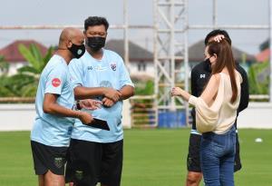 """""""มาดามแป้ง"""" เปิดเหตุผลเลือก 27 แข้งช้างศึก U-23 ชิงแชมป์เอเชีย 2022 รอบคัดเลือก"""