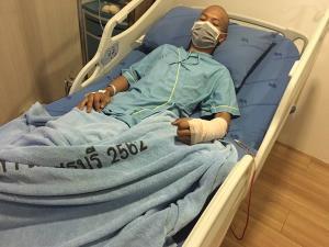 """""""น้องบาส"""" อาการดีขึ้นหลังผ่าตัด ขณะที่ทนายเตือนเกรียนคีย์บอร์ดมีโทษสูงจำคุก 5 ปี"""